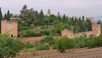 Granada - Alhambra - Tours (de la Cautiva, del Cadi, de los Picos)