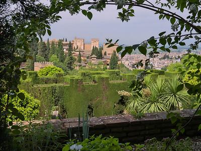 Granada - L'Alhambra, depuis les jardins du Generalife