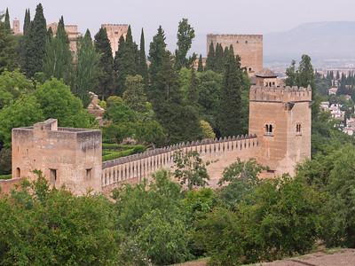 Granada - Alhambra - Tours (del Cadi, de los Picos)