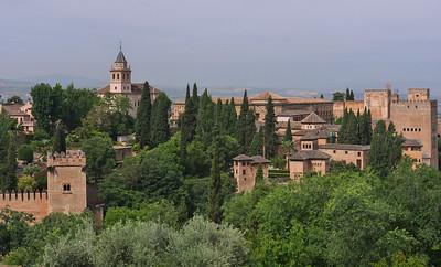 Granada - Alhambra (Vue Est) - Torre de los Picos, Santa Maria de la Alhambra, Torre de las Damas, Palacios