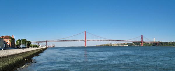 Le Tage et la Pont du 25 Avril