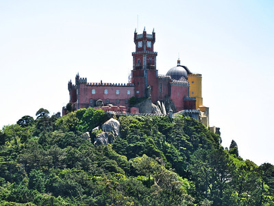Sintra - Palácio Nacional da Pena vu depuis le Castelo dos Mouros