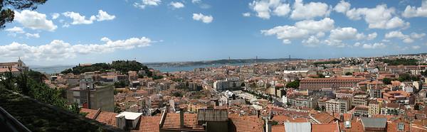 Lisbonne - Panorama du Miradouro Senhora do Monte