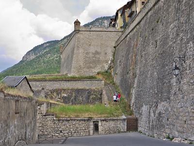 Briançon - Entrée dans la cité Vauban par la porte d'Embrun