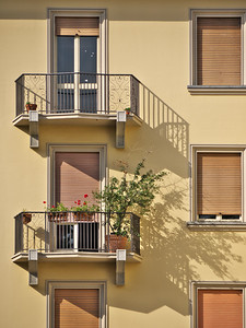 Via Giolitti, Piazza Cavour