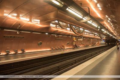 F20150620a101237_5762-station de métro Arrts et Métiers-Jules Verne-Cuivre
