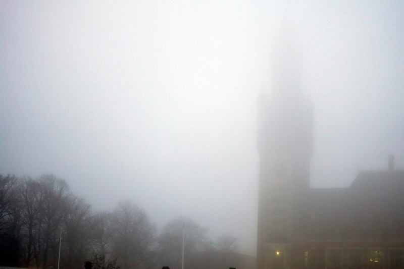 Nederland, Den Haag, vredespaleis in de mist, 11 januari 2018. foto: Katrien Mulder
