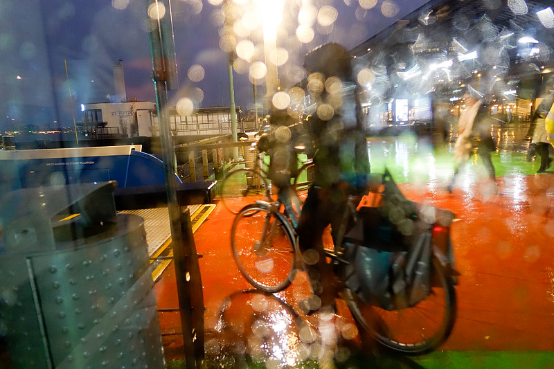 Nederland, Amsterdam, 15 januari 2018, het regent pijpenstelen, it is raining cats and dogs, foto: Katrien Mulder