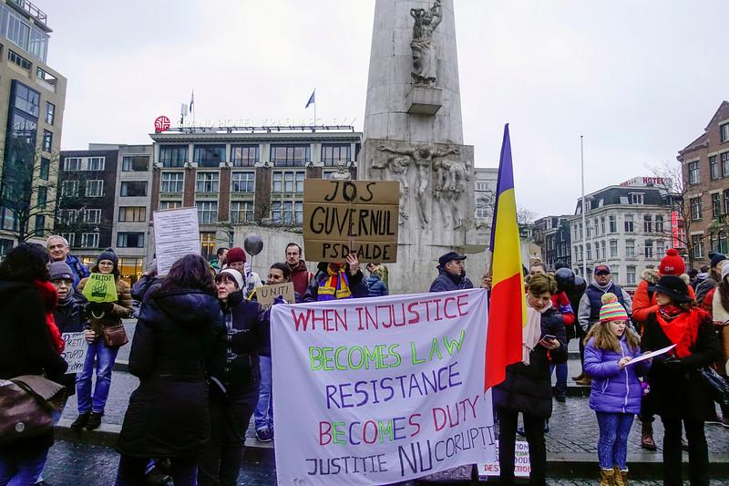 Nederland, Amsterdam, 20 januari 2018, demonstratie van Roemenen op de Dam tegen corruptie, foto: Katrien Mulder