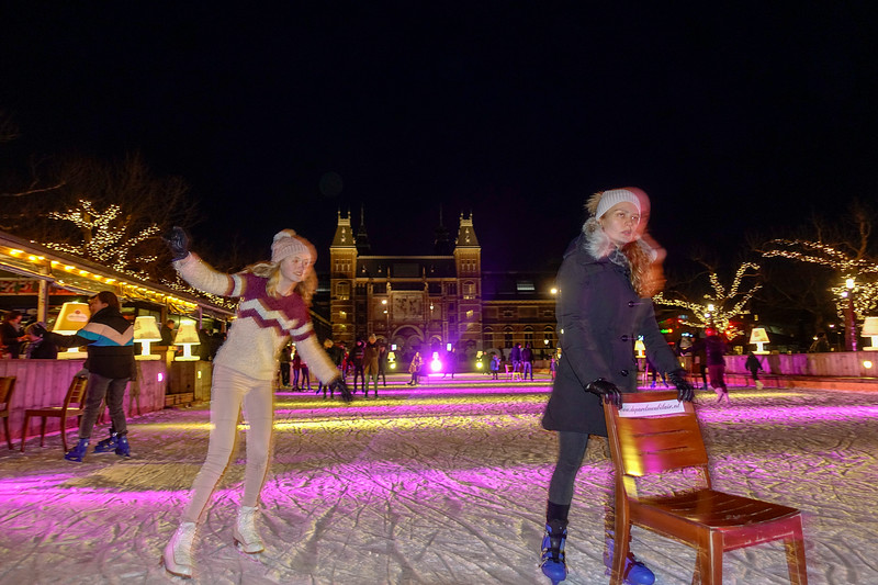 Nederland, Amsterdam. 21 januari 2018, Kunstijsbaantje op het Museumplein, foto: Katrien Mulder