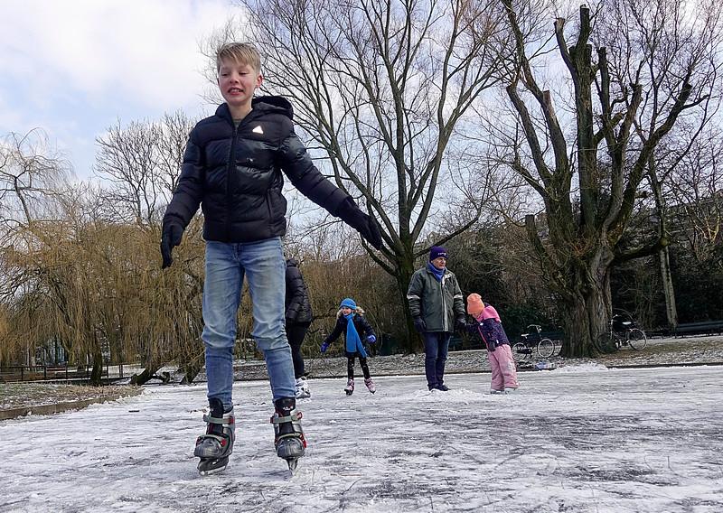 Nederland, Amsterdam, natuur ijsbaantje in het Sarphatipark, koudste 28 februari ooit gemeten, 28 februari 2018, foto: Katrien mulder