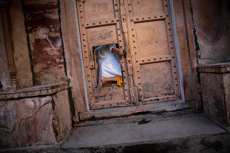 The streets of Vrindavan. Parikrama Marg.