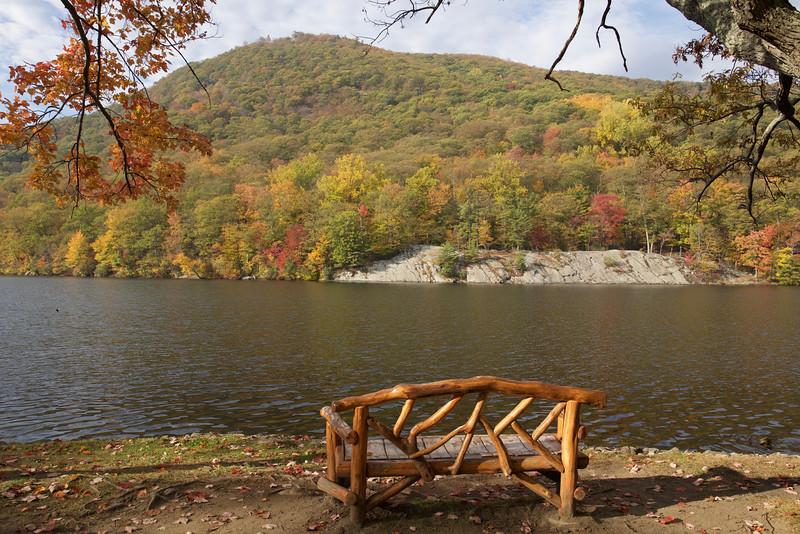 Bear Mountain, Hessian Lake