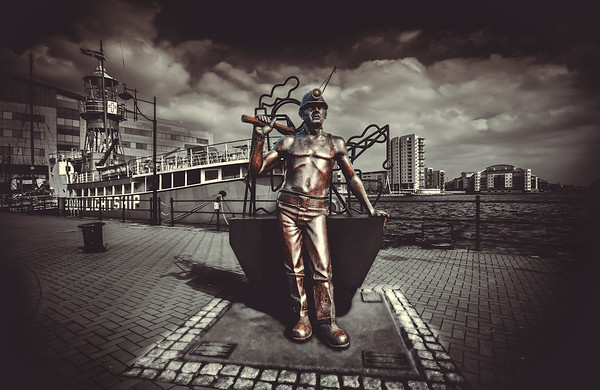 THE MINER - CARDIFF BAY