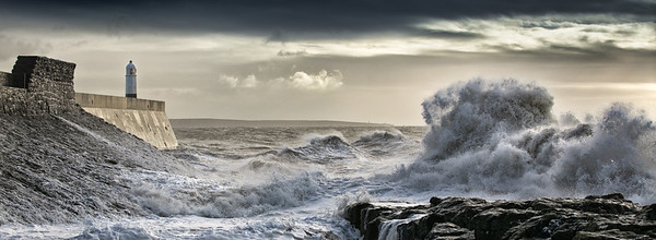 PORTHCAWL LIGHTHOUSE, SOUTH WALES