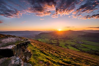 Skirrid Fawr Sunset_Brecon Beacons_Landscape_Karl McCarthy_016102017