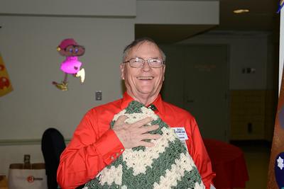 Joe Corson wins the Quilt!