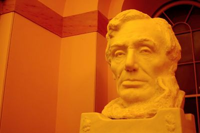 Bust of Lincoln in the crypt of the capitol