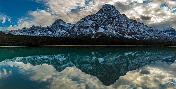 SNOW-FILLED NEAR THE ICEFIELD: WATERFOWL LAKES, BANFF NATIONAL PARK CANADA