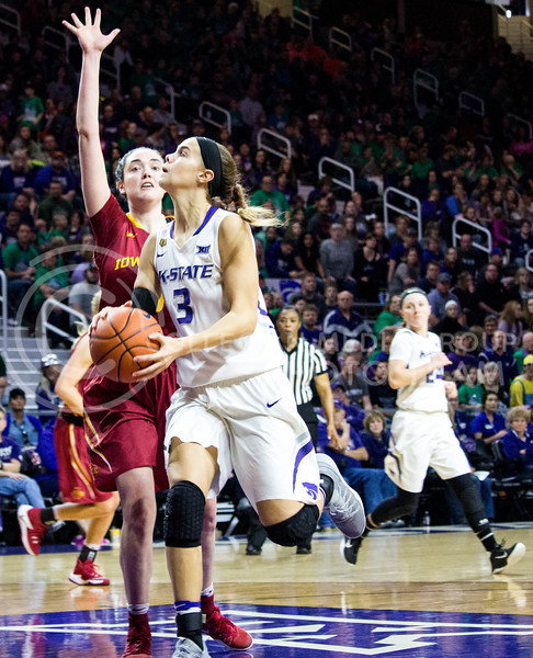 Freshman forward Lanie Page gets ready to jumps to shoot the ball in to the basket during the K-State game against Iowa State in Bramlage Coliseum on Feb. 11 2017 where the Wildcats beat the Cardinals 80-68. (Alanud Alanazi | The Collegian)