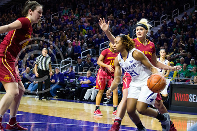 Junior guard Karyla Middlebrook runs with the ball during the K-State game against Iowa State in Bramlage Coliseum on Feb. 11 2017 where the Wildcats beat the Cardinals 80-68. (Alanud Alanazi | The Collegian)