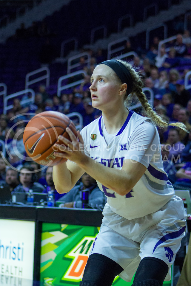 Senior guard Kindred Wesemann shoots the ball during the K-State game against Texas in Bramlage Coliseum on February 27, 2017. (Maddie Domnick | The Collegian)