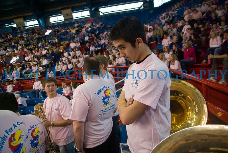 February 22, 2009  KU v ISU WBB Pink 001