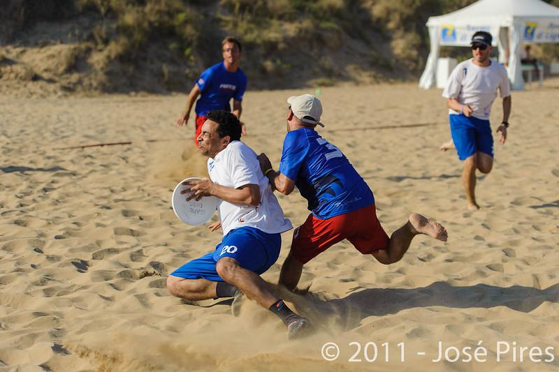 WCBU2011, Lignano Sabbiadoro, Italy.<br /> France vs Great Britain. Grand Master Division<br /> PhotoID : 2011-08-24-0371