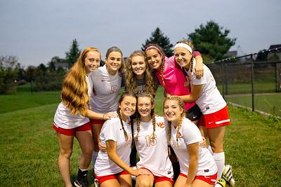 Senior Girls Soccer 2017-18 7