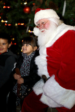 Christmas Tree Lighting Remote at Shoppes at River Crossing 11/13