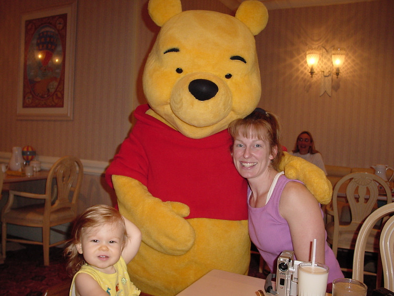 PF B - Madison, Cathy & Pooh 12-1-01