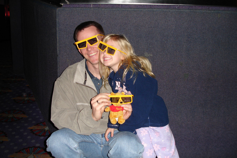 EP - Daddy and Madison in 3D glasses 3 12-12-05
