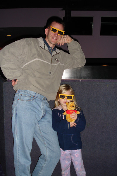 EP - Daddy and Madison in 3D glasses 12-12-05