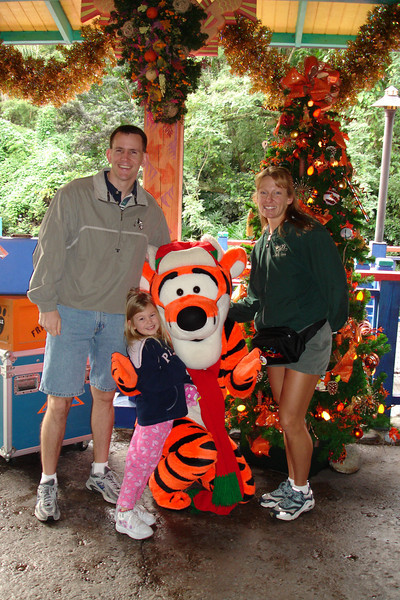 AK - Daddy, Madison, Tigger and Mommy 12-10-05
