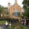 MK - Haunted Mansion 2 12-9-05
