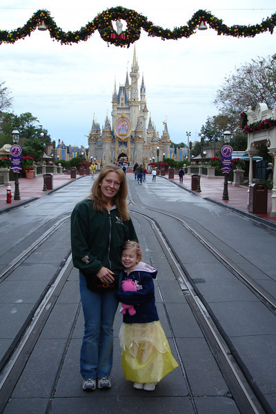 MK - Mommy and Madison on Main Street 2 12-11-05