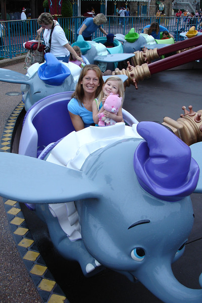 MK - Mommy and Madison on Dumbo 12-9-05