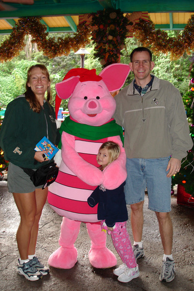 AK - Mommy, Madison, Piglet and Daddy 12-10-05