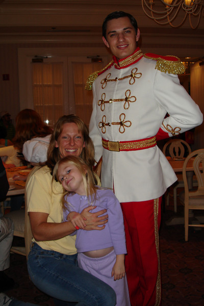GF - 1900 PF - Mommy, Madison and Prince Charming 12-8-05