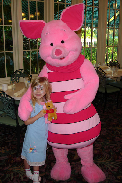 CP - Madison and Piglet 12-14-05