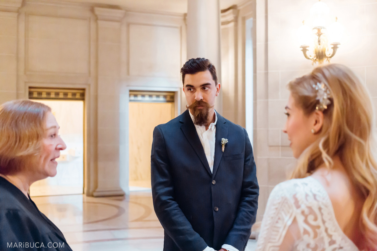 213-wedding-ceremony-in-the-san-francisco-city-hall