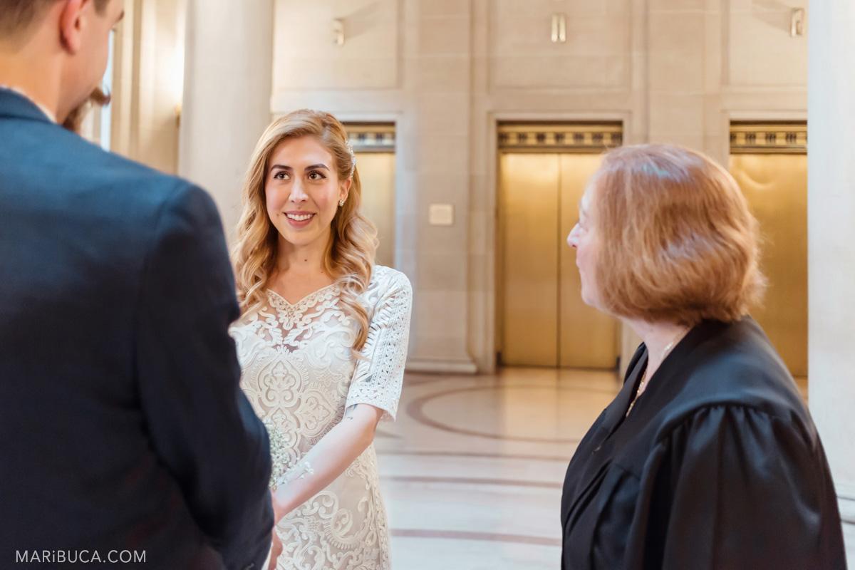 219-wedding-ceremony-newlyweds-register-ceremony-sf-city-hall