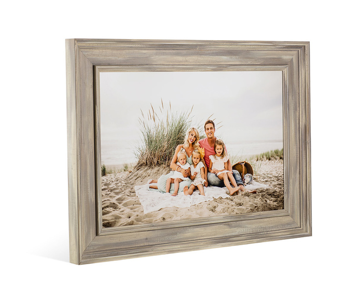 h_frames_colonial_family