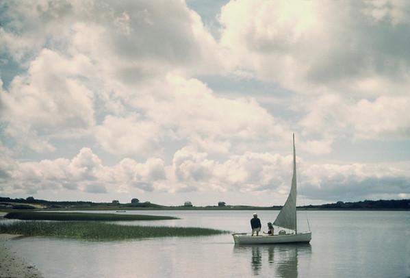 WT3_1943 - Dick Dickinson sailing 'Morning'