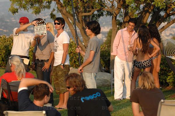 EXCLUSIVE-  Sur cette photo: de gauche a droite,Lukas Delcourt, Gilles Marini.  Lukas Delcourt ÊÊ'' De la star AcadŽmie au rve hollywoodien'' Apres avoir fait les beaux jours de la star Ac et de sous le soleil, le beau gosse ''Lukas Delcourt'' signe avec le producteur Fabrice Sopoglian pour un projet de sŽrie tv intitule Ê''West Hollywood''. Il ÊinterprŽtaÊ 'Alex'' Êa l'Žcran un jeune franais designer dŽbarquant a Los angeles pour Êconquerieur Hollywood . A ses cotes un casting de rve ÊGilles Marini (le playboy de Sexe in the city), Jimmy Jean-Louis Êde la sŽrie ''Heroes'', Ramzy Maloki l'animateur des Žmissions cinŽ de canal + ÊetÊ Shauna Sands Lamas dans le r™le de la bimbo (Le Rebel). Ce format dont le crŽateur n'est autre que Êfabrice Sopoglian et Laurent Proneur se tourne actuellement a Los Angeles sous le direction de ''Skwall'' . Ce divertissement est dans l'esprit des formats amŽricains dont la seule particularitŽs sont que lesÊ acteurs Ês'exprime en langue francaise avec un casting essentiellement francaisÉ C'est un mŽlange de ''Melrose place'' et Ê''Sous le soleil'' Êtourne a HollywoodÉ Cette sŽrie tele relate l'aventure de deux franais dŽbarquant ˆ Hollywood avec des rves pleins la tte. Comment gŽreront ils leur quotidien, l'amitiŽ, l'amour, la famille et surtout leur dŽlocalisation sous l'unique influence des fastes d'HollywoodÊ! ÊVous le serez bient™tÉ Entre rve et illusion il n'existe qu'un monde celui deÉ. West HollywoodÊ!!! Ê