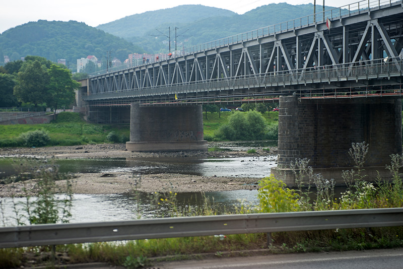 Any doubt about low water in the Czech Republic on the Elbe? This was taken 30 minutes from Děčín on the way south toward Lito.