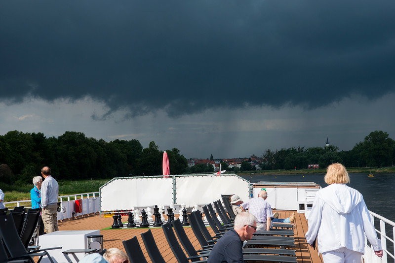 Storm clouds are about  to refill the shallow Elbe.