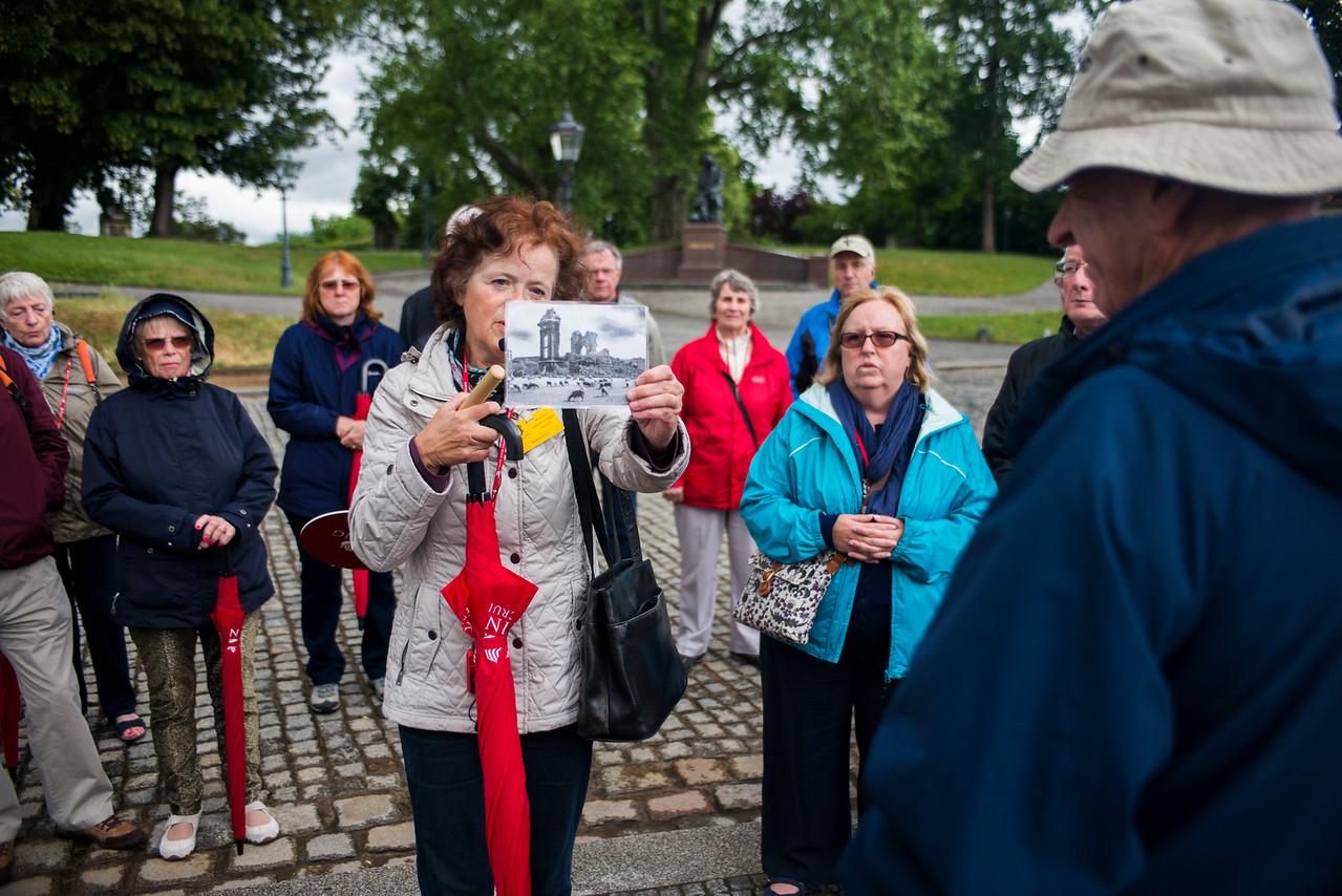 Guide reveals Dresden's destruction in WW II.