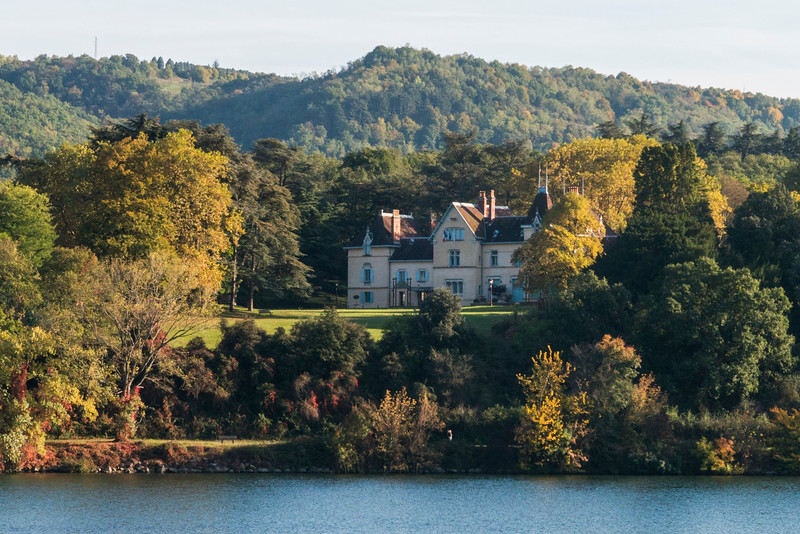 Chateau just north of Saint Vallier.