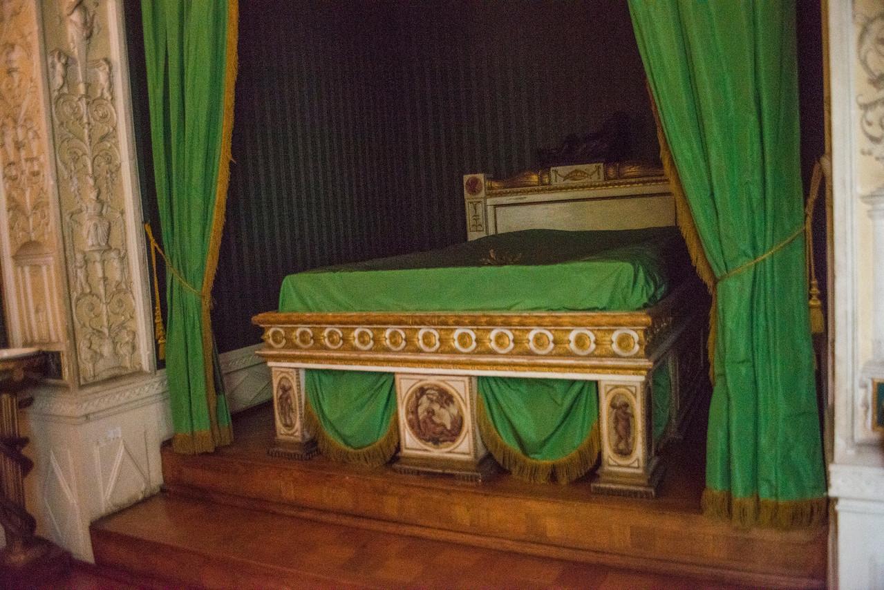 Wörlitz Palace detail, Catherine's bed.